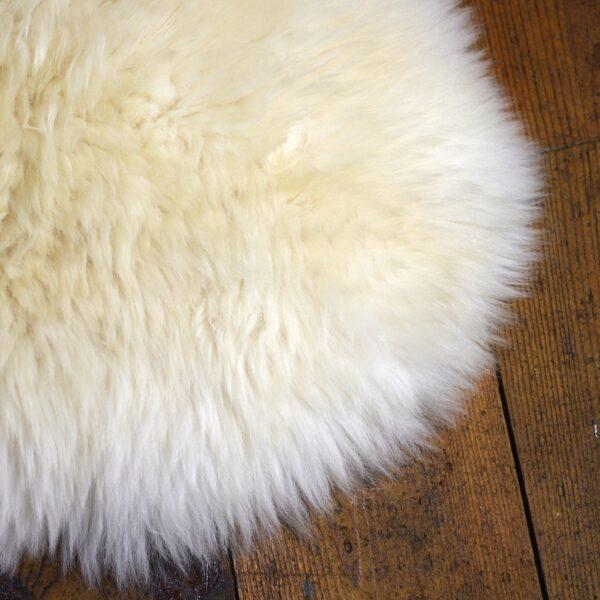 Dartmoor Cottage Cream Sheepskin 2021