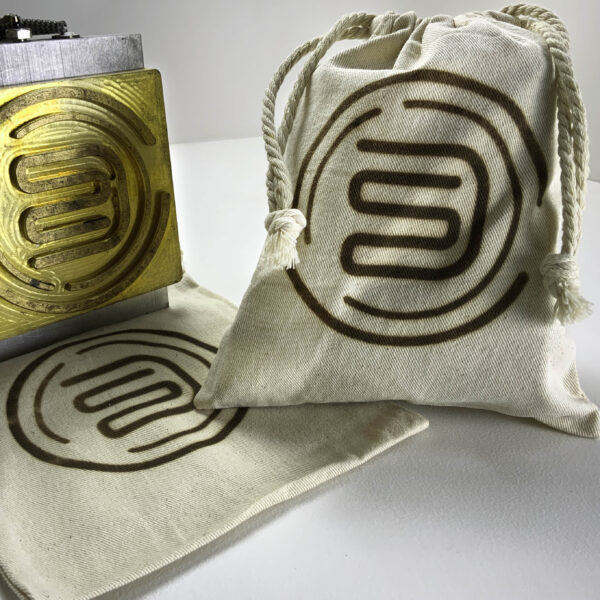 Brand lays name to to banded bag